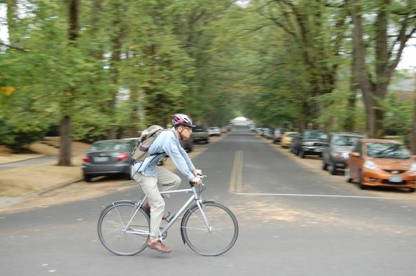Blur_elms_neat_bike_0.jpg