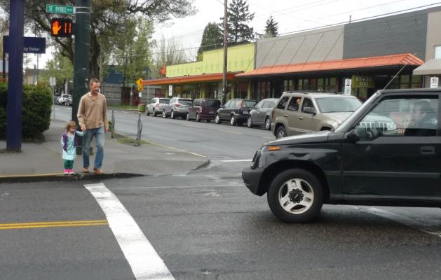 Pedestrians_permissive_turn_-_newsletter_size_0.jpg