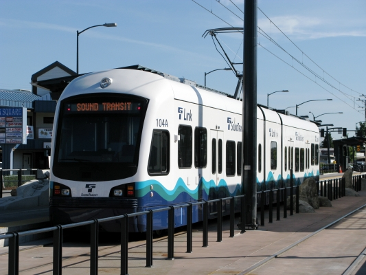 Sound_Transit_Link_Light_Rail_Train.jpg
