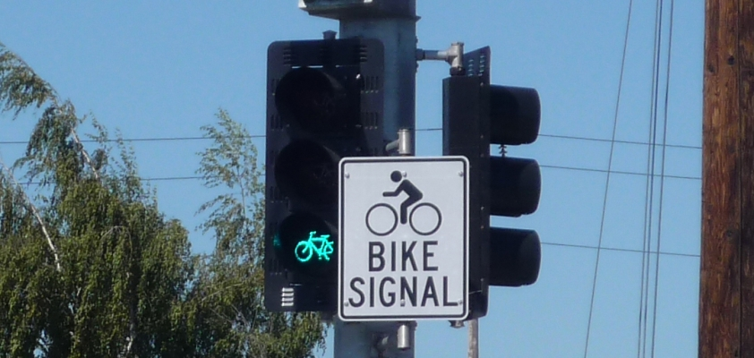 bike signal green cropped.jpg