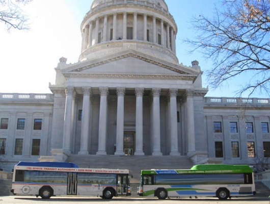 capitol_buses_photo_1.jpg